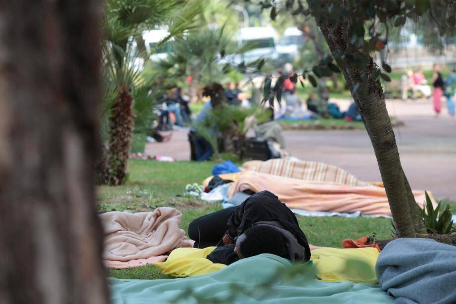 Des demandeurs d'asile à Nice.