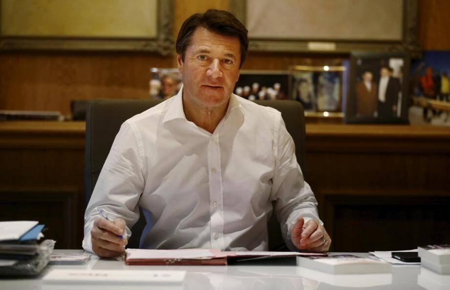 Christian Estrosi à son bureau, à l'Hôtel-de-ville.