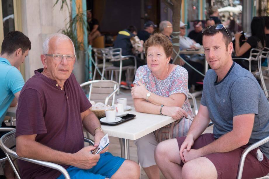 David, Paula et Matthew veulent continuer à vivre normalement.