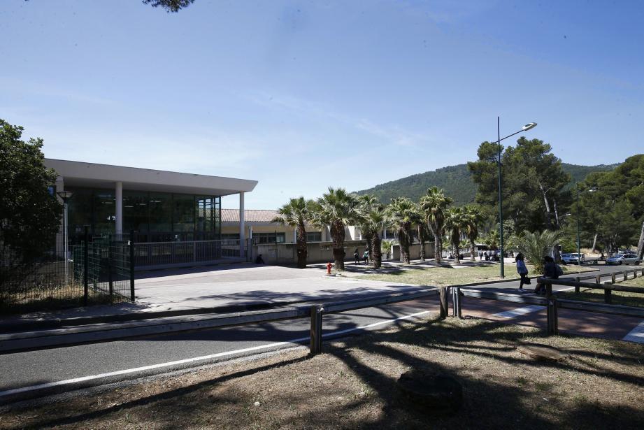 Le lycée Costebelle
