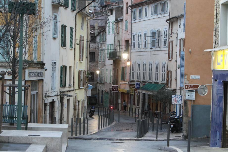 Rue de Trans à Draguignan, centre ancien.