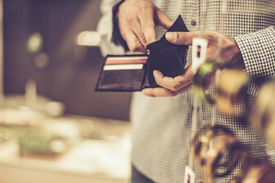 La retraitée s'est fait voler son portefeuille.