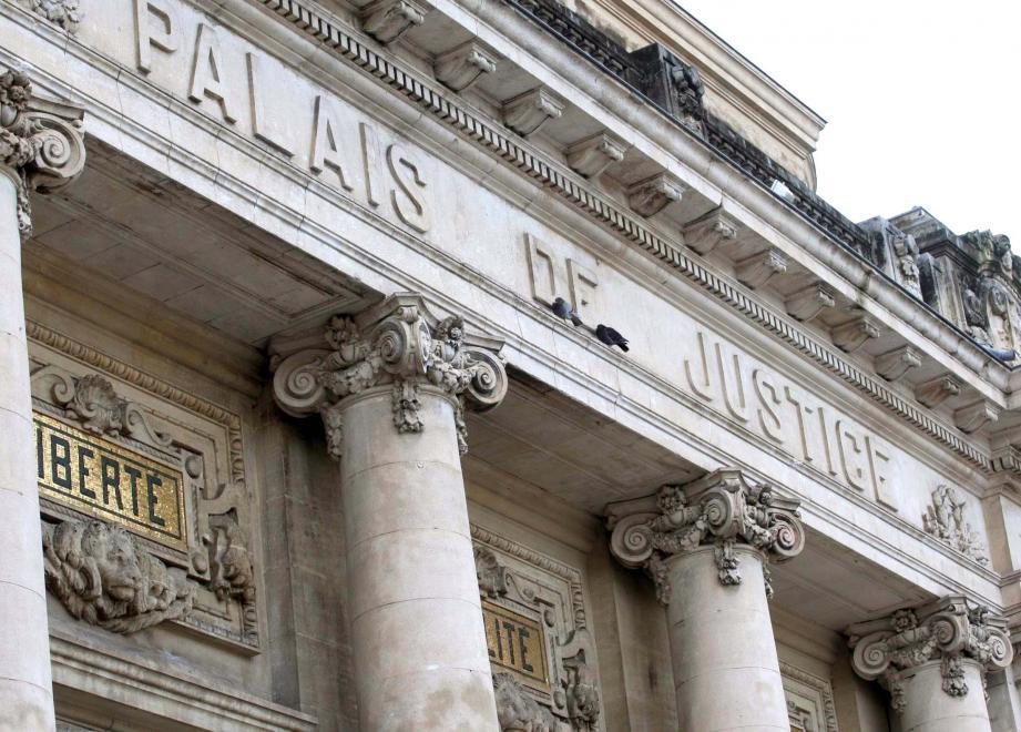 Le palais de justice de Toulon. Illustration.
