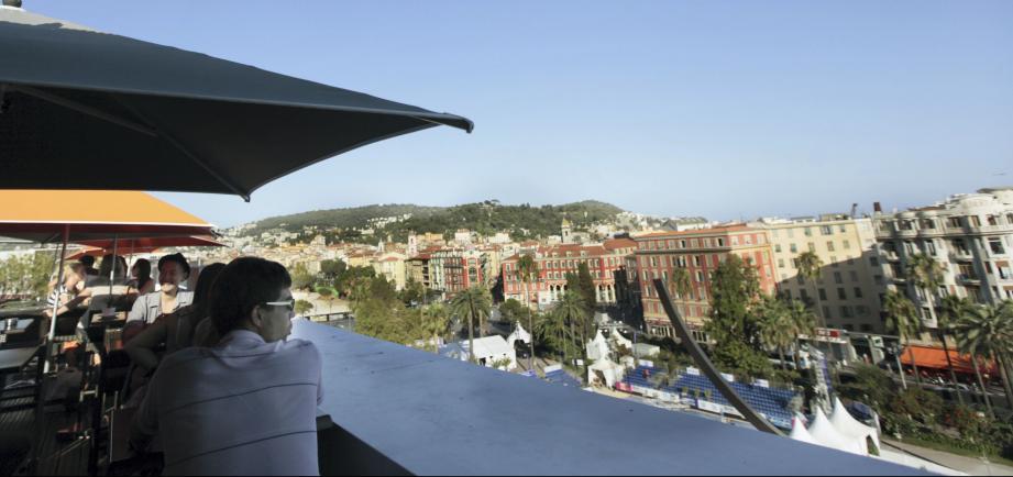 Le Vieux Nice depuis la terrasse de l'hôtel Plaza.