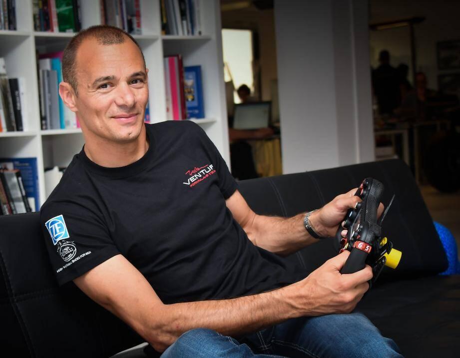 Portrait Stephane Sarazin pilote Venturi