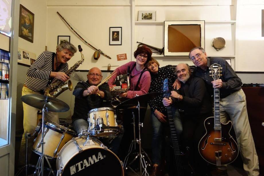 Le groupe a été fondé en 2009 par des anciens élèves de la classe de jazz de Gérard Sumian.