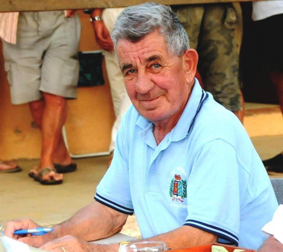 Francis Hébréard, un homme humble, dévoué et respecté nous a quitté et qui va beaucoup manquer.