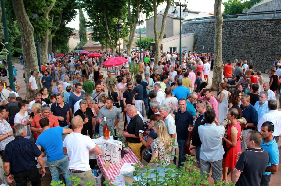 On attend encore plus de 2500 personnes lors de cette belle fête vigneronne.