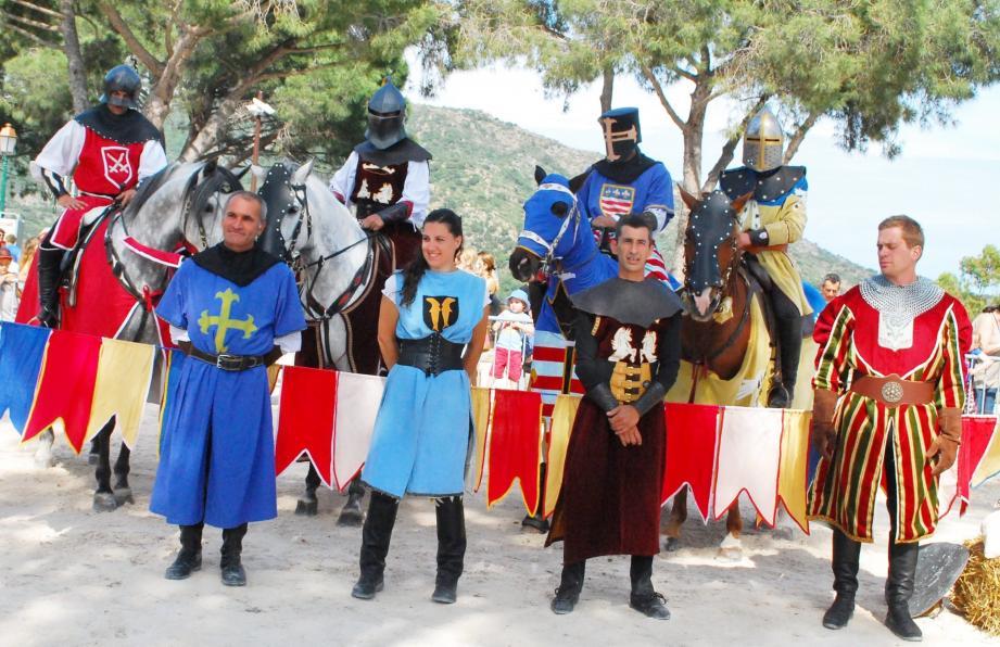Les chevaliers présenteront des combats d'époque sur la place Saint-François, dans la pure tradition moyenâgeuse.