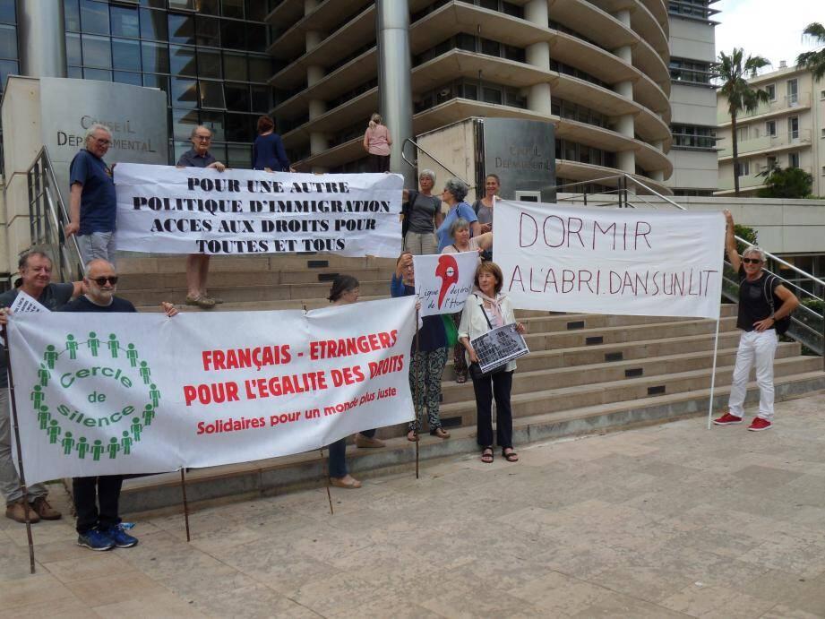 Sans réponse à leurs courriers depuis le 28 mars, les militants du Collectif migrants 83 se sont mobilisés, hier, devant le conseil départemental pour obtenir des réponses précises sur la situation des jeunes migrants, non accompagnés.