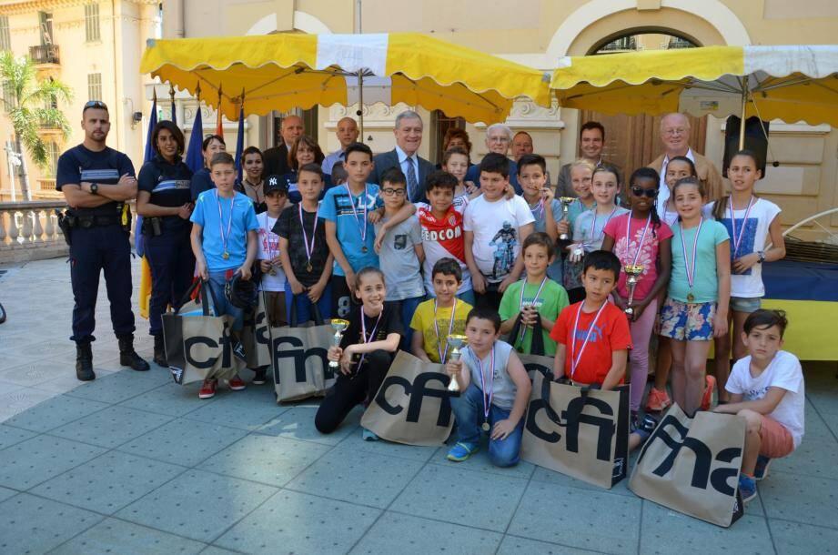 Les élèves ont été encouragés et félicités par le maire, les organisateurs, élus et autres sponsors.