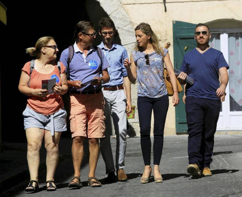 Cécile Muschotti et son équipe ont rencontré commerçants et habitants à Belgentier et Solliès-Toucas hier.