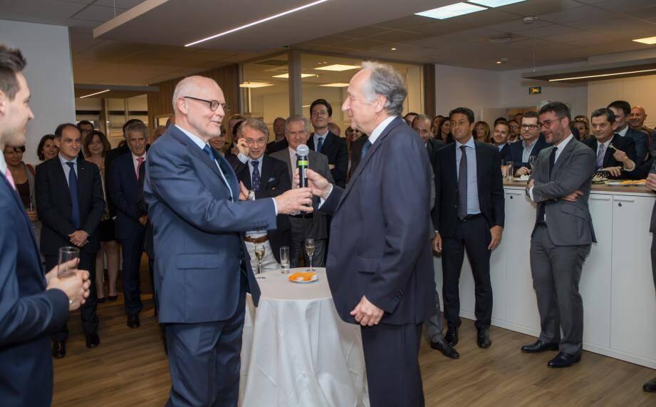 Le ministre d'État Serge Telle était un des invités de Xavier de Sarrau, à la tête de Gordon S. Blair, lors de l'inauguration de ses nouveaux locaux au Gildo Pastor Center.