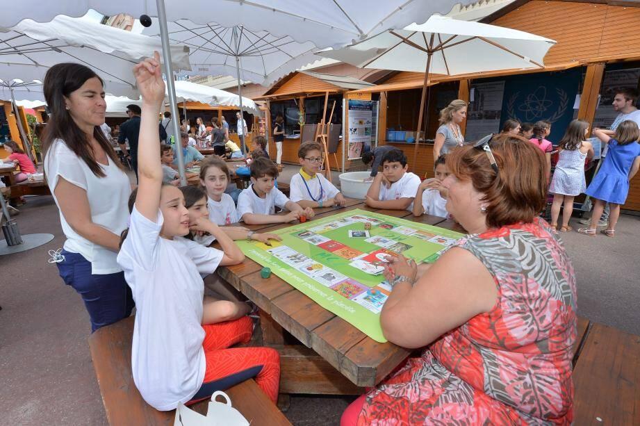 Plutôt que des conférences rébarbatives, Monacology est organisé sous forme d'ateliers pratiques, de jeux et de visites exclusives.