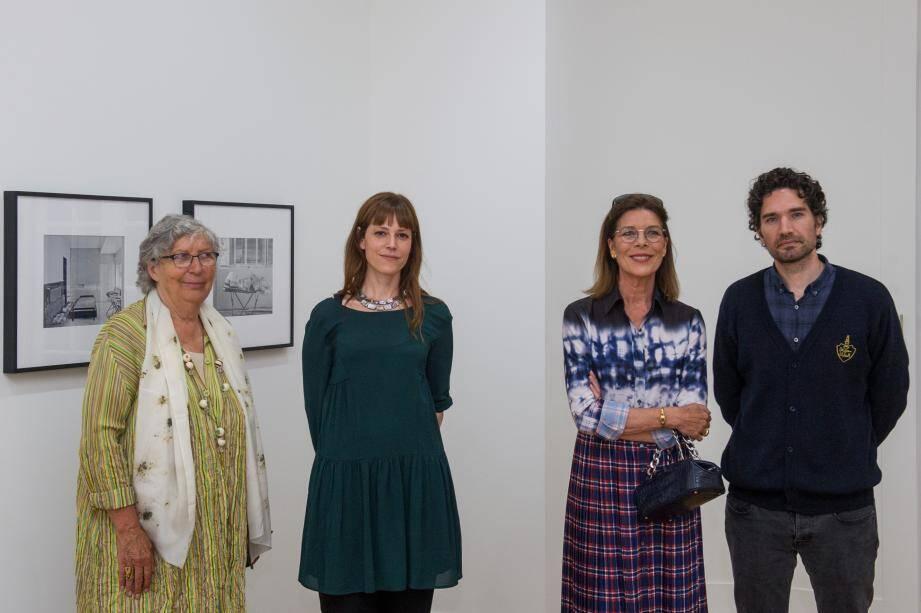 La princesse Caroline a visité les deux expositions présentées à la Villa Sauber, échangeant avec les artistes pour comprendre leurs démarches dans ces projets liés à la notion d'archive et de patrimoine. (Photos Axel Bastello/ Palais princier)