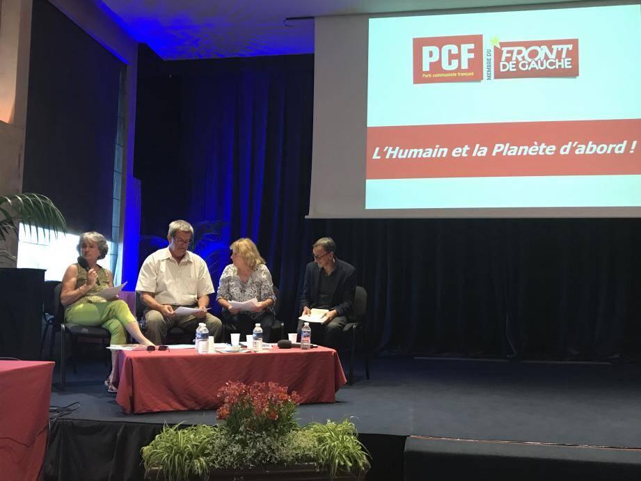 Les quatre candidats proposaient, hier soir, un débat aux Grassois.