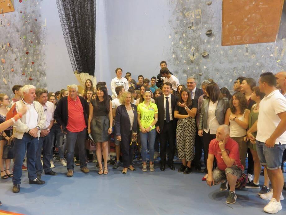 Le président délégué de la Région, Christian Estrosi, et plusieurs élus ont rendu visite aux lycéens de Valdeblore.