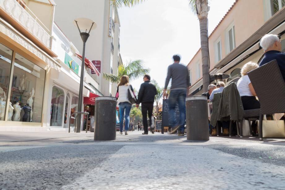 Douze nouvelles bornes escamotables germeront entre la vieille ville et la station balnéaire.