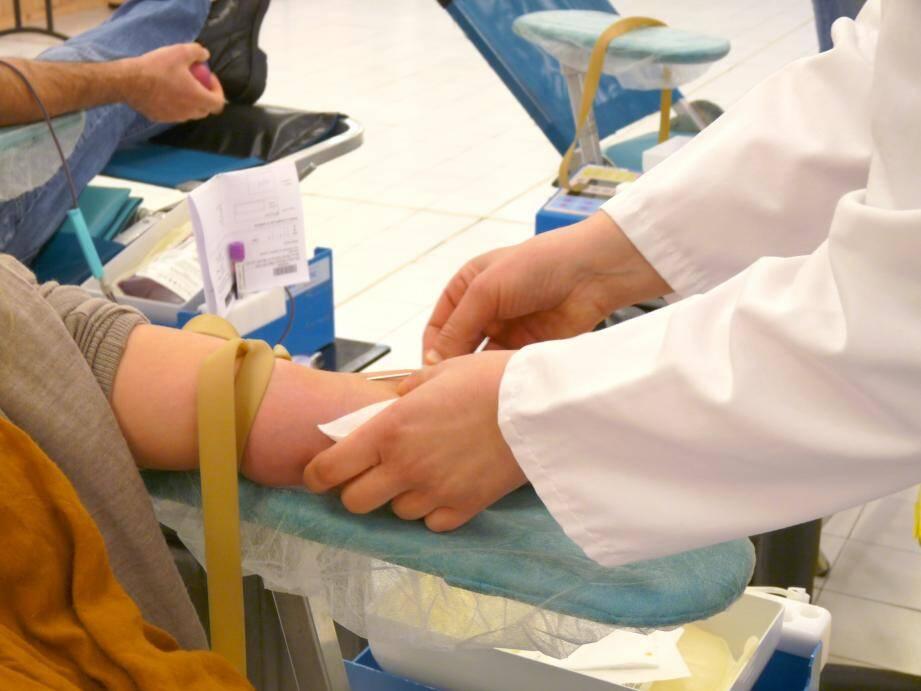 Une poche de sang sur deux ans utilisée dans les Alpes-Maritimes, département très «riche»  en termes d'offres de soins, provient d'autres départements. Le Var est, lui, relativement autosuffisant. L'EFS caresse toujours le même objectif : recruter davantage de donneurs et des donneurs plus réguliers. Un message qui s'adresse à nous tous.