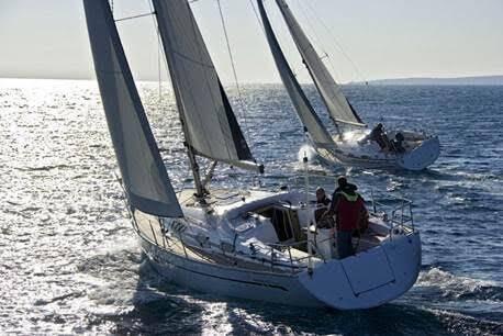Six bateaux mentonnais voguent vers Corte.
