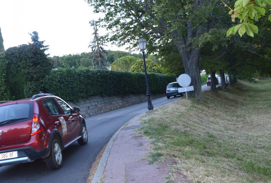 La sécurisation de l'avenue André-Gide est au programme par la réalisation d'un trottoir depuis l'existant au niveau du rond-point de la Chèvre jusqu'au bout du grand pré.