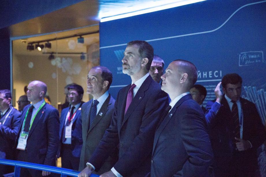 Le roi d'Espagne lors de sa visite du pavillon monégasque.(DR)