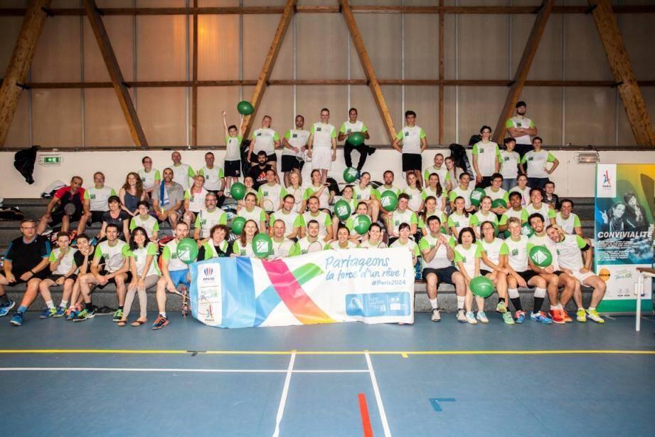 Les badistes ont fait honneur pour soutenir la candidature de Paris pour les Jeux Olympiques 2024.