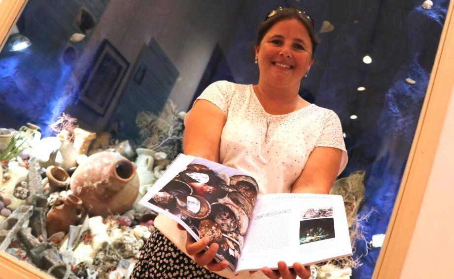 Quatre années de recherches et une étude de plusieurs milliers de trouvailles archéologiques sous-marines ont été nécessaires à la rédaction de cet ouvrage.