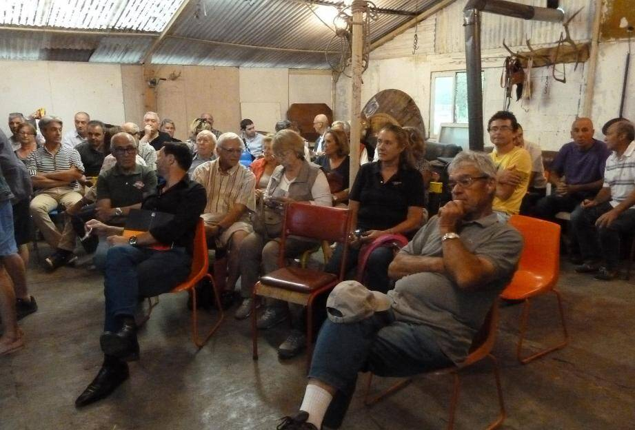Lors de la réunion les membres de l'association ont fait un point sur ce qui les chagrine dans le plan local d'urbanisme.