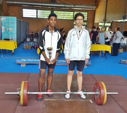 Gowtham Kesavanambi a remporté le challenge avec 146 kg au total. Derrière lui, son camarade de club, Nicolas Battaglia, a terminé second avec 125 kg.(DR)