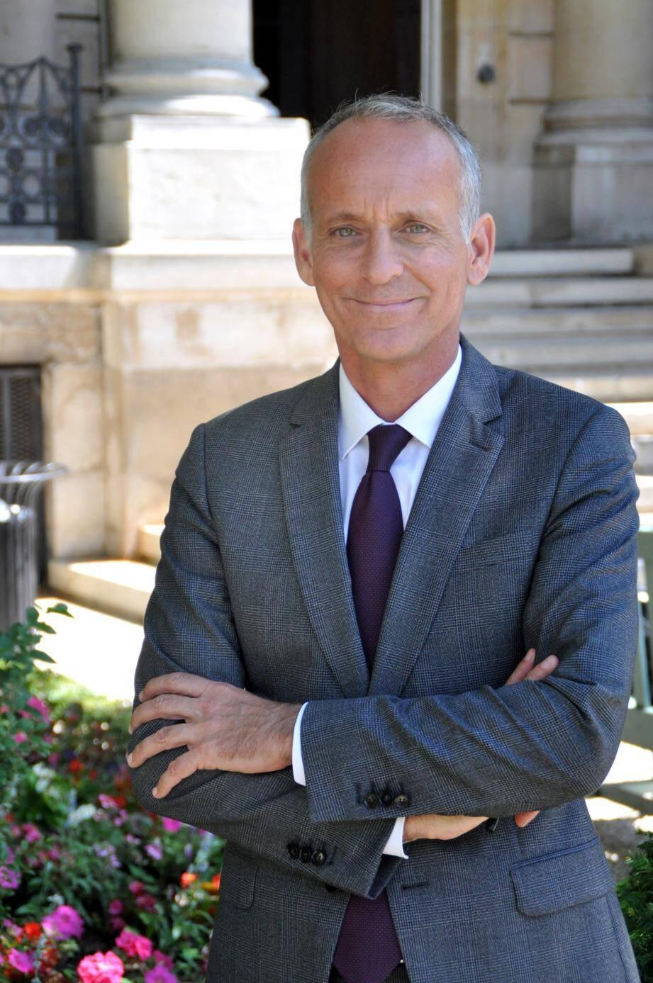 Celui qui est encore maire de Vence a pris ses fonctions, hier, au Palais Bourbon.
