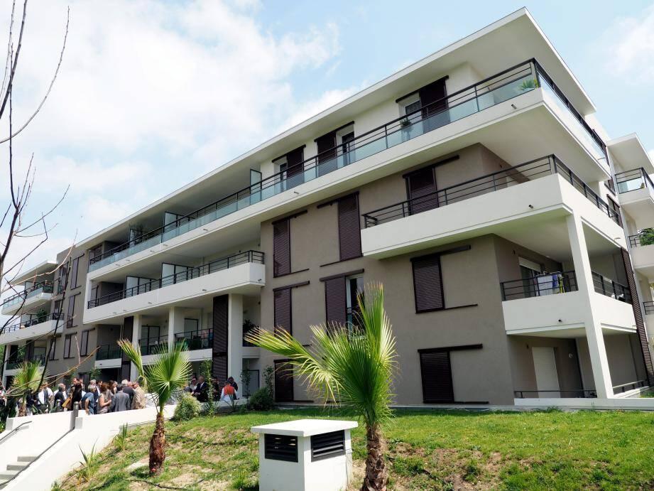 Des bâtiments dessinés par l'architecte Martial Gosselin.