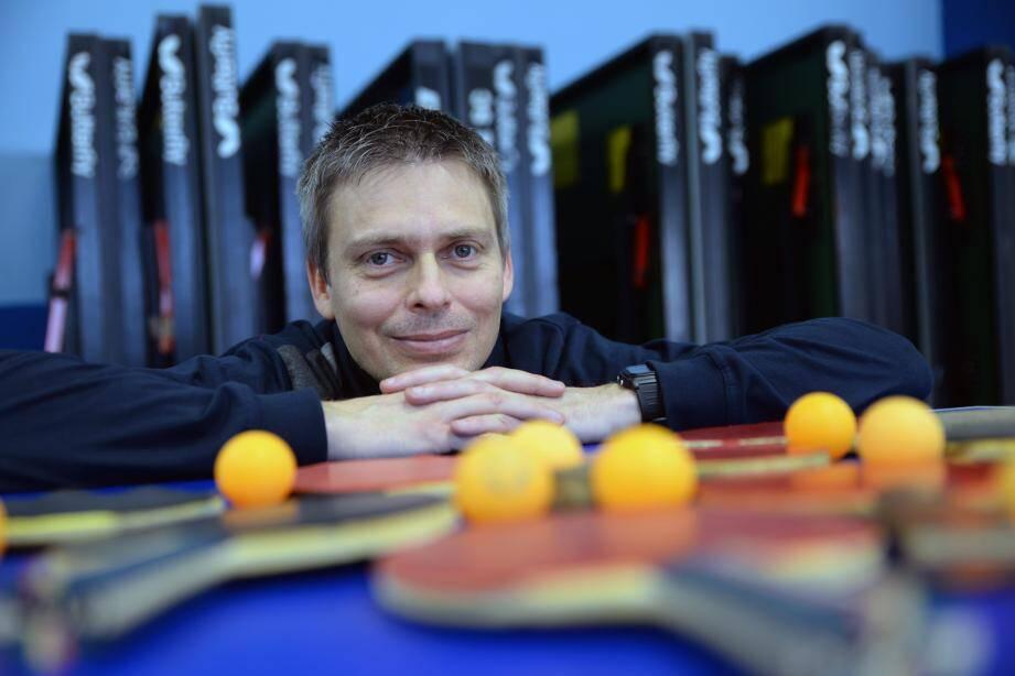 Olivier Perret vous attend pour les nocturnes tennis de table à l'espace Jean-Gioan.