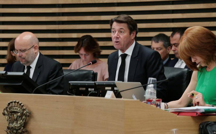 Patrick Allemand, critique envers le compte administratif présenté et défendu par Philippe Pradal.