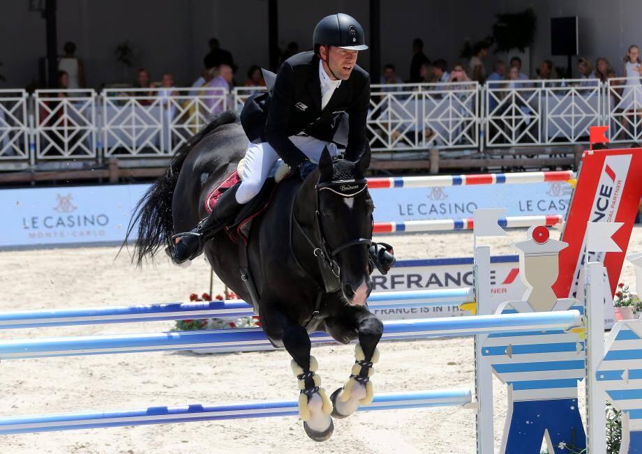 Simon Delestre, ici avec Qlassic Bois Margot, a terminé son week-end en  Principauté par une 14e place sur le Trophée Casino de Monte-Carlo.