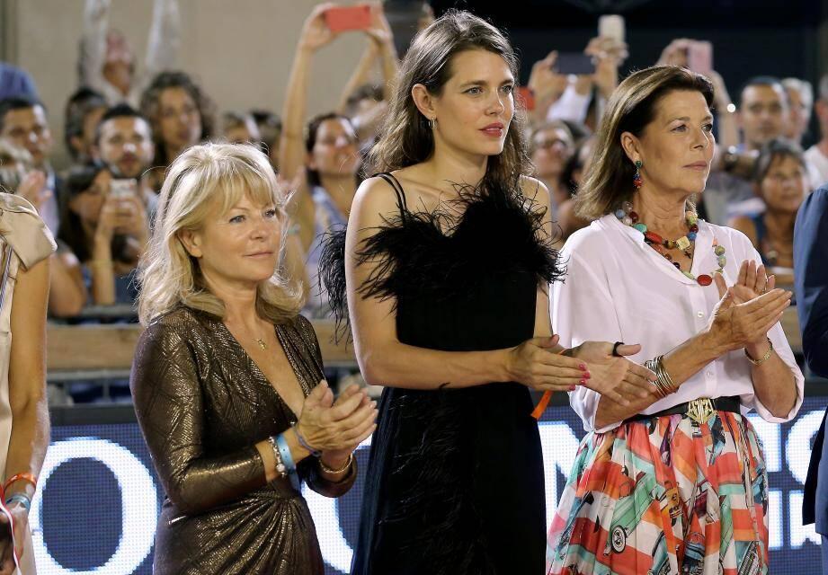 Diane Fissore, présidente du Jumping International de Monte-Carlo, la cavalière Charlotte Casiraghi et sa maman la princesse Caroline de Hanovre.