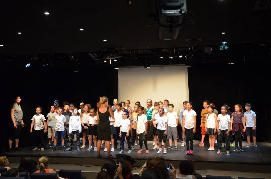 Les élèves ont délivré une très belle performance à la salle Daner. Habitués de la scène, ils avaient déjà  présenté un concert de Noël en fin d'année 2016.