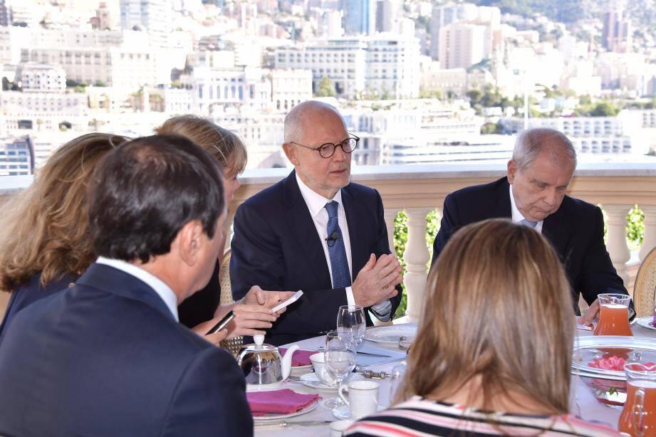 Le ministre d'État Serge Telle a passé hier près de deux heures à évoquer, avec les journalistes, les déboires des Jardins d'Apolline.