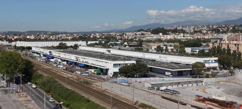 La polémique autour de la création d'une galerie commerciale au futur parc des expositions de Nice n'en finit plus de rebondir...