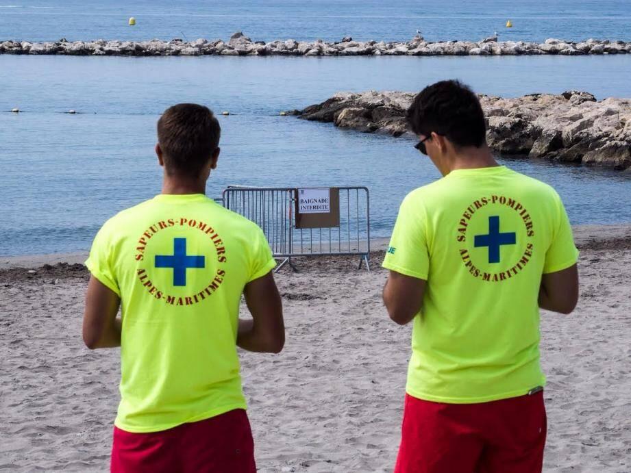 Les sauveteurs ont interdit la baignade à Saint-Laurent-du-Var jusqu'à nouvel ordre.