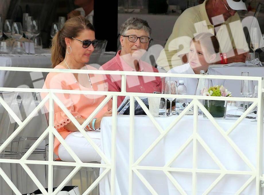 Bill Gates au côté de sa fille Jennifer et de sa femme Melinda, Jumping international de Monte-Carlo à Monaco .