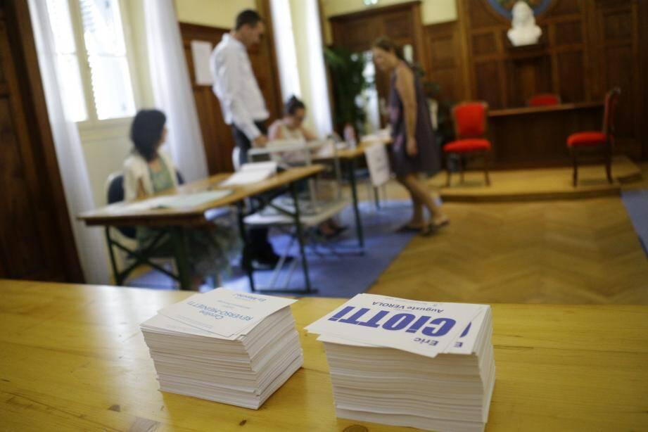 Un bureau de vote à Nice.