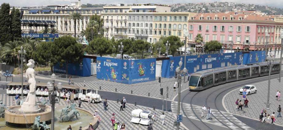 La fan-zone de l'Euro 2016, place Masséna à Nice.