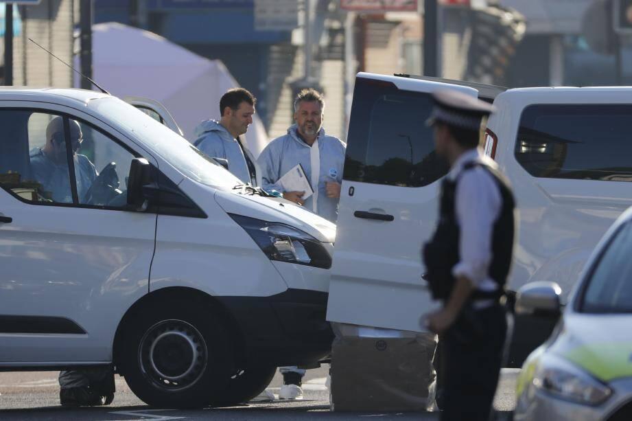 la police scientifique sur les lieux de l'attaque.