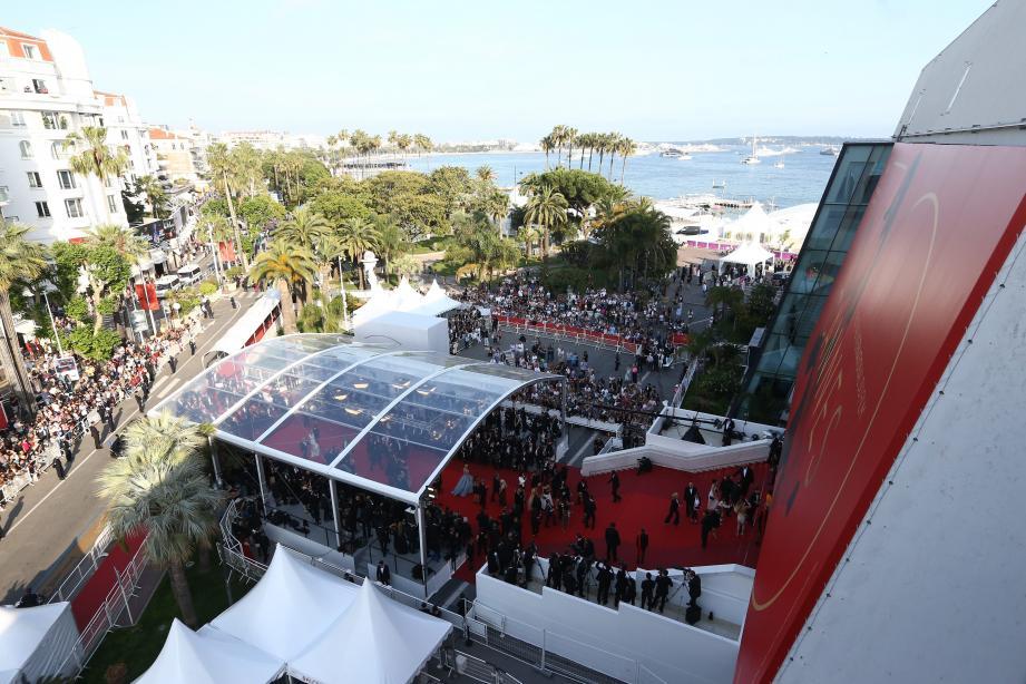Vue du palais des Festivals et des Congrès pendant le Festival de Cannes.