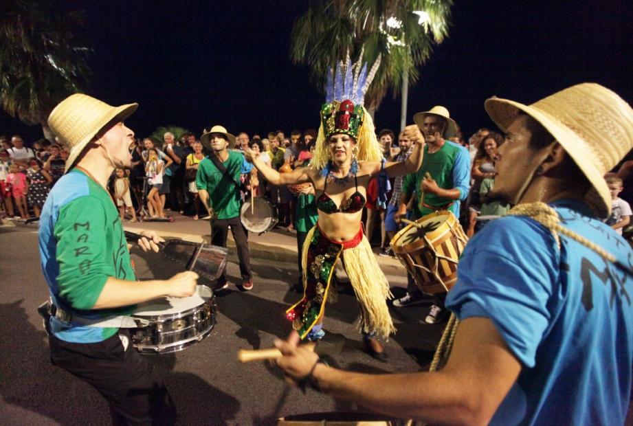 Prom en fête à Cagnes-sur-mer et feu d'artifice