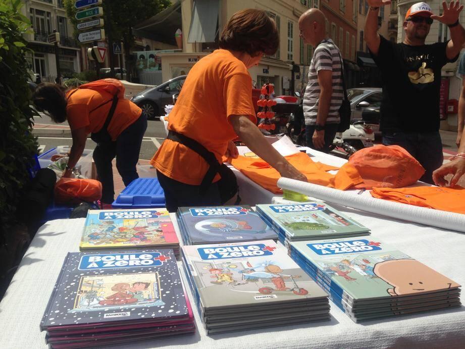 Une bande-dessinée sur le thème de la maladie chez les plus jeunes est aussi en vente.