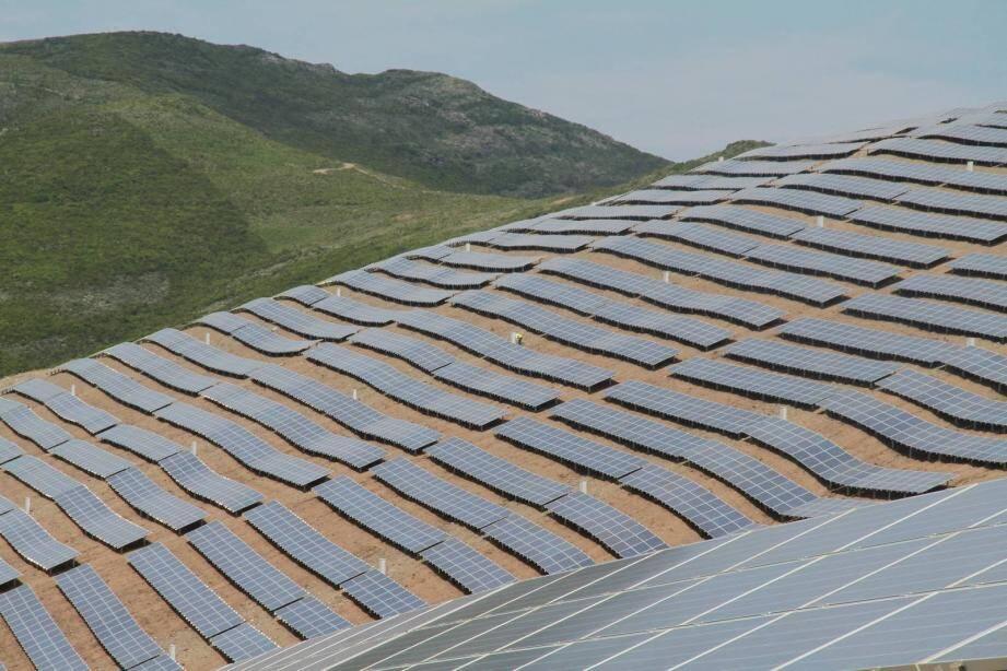 La société recherche trois ou quatre sites en France, à l'image de cette ferme photovoltaïque, à acquérir.