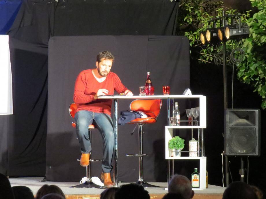 """Vendredi soir, la compagnie """"Plein Feux"""" a ouvert donc le festival de théâtre avec la pièce """"Irrésistible"""", de Fabrice Roger-Lacan."""