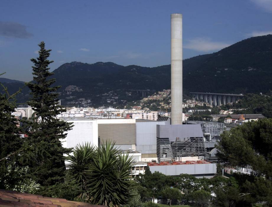 320 000 tonnes d'ordures ménagères et de déchets sont traitées chaque année dans l'incinérateur de L'Ariane.